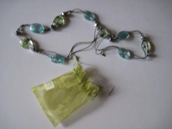 Колие със сини и зелени камъни