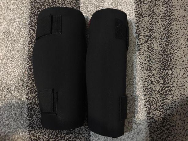 Mănuși Domyos mărimea M și tibiere Outshock