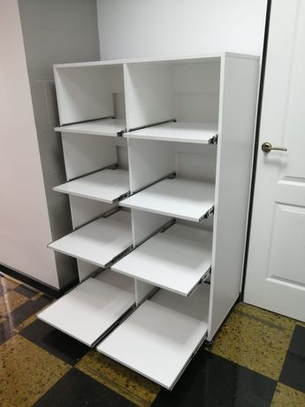 Продам шкаф с выдвижными полками
