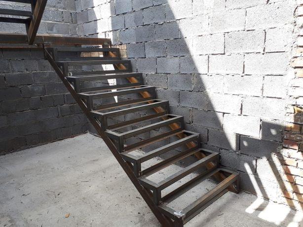 Каркас лестницы  за 12 дней