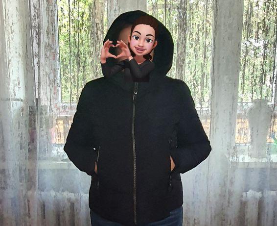 Продаю женскую куртку.