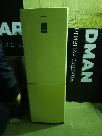 Продам холодильник Самсунг в отличном состоянии