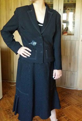 Продам костюм женский фирмы Burvin