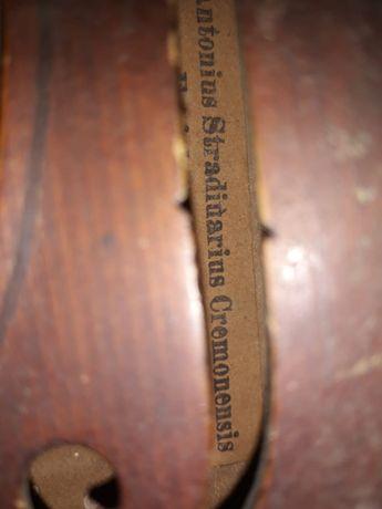 Vand vioara Antonius Stradivarius Cremonensis Faciebat Anno 1713