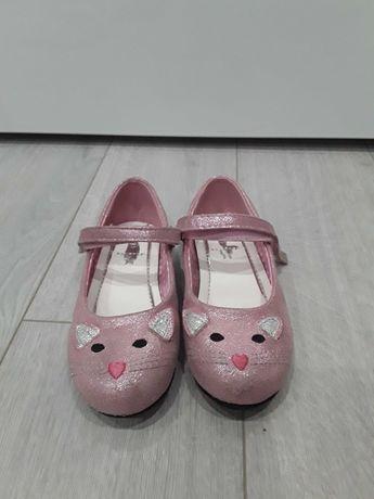 Детски обувки за момиченце от номер 27 до 29