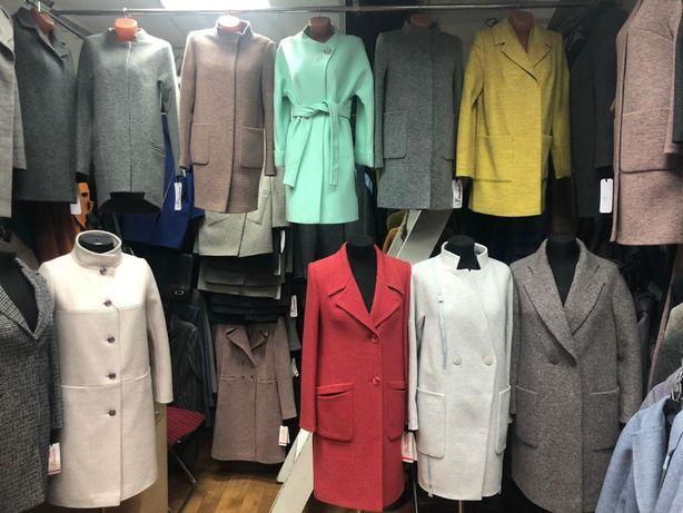 Пальто женские демисезонные, молодежный стиль. Размер 40 -48.