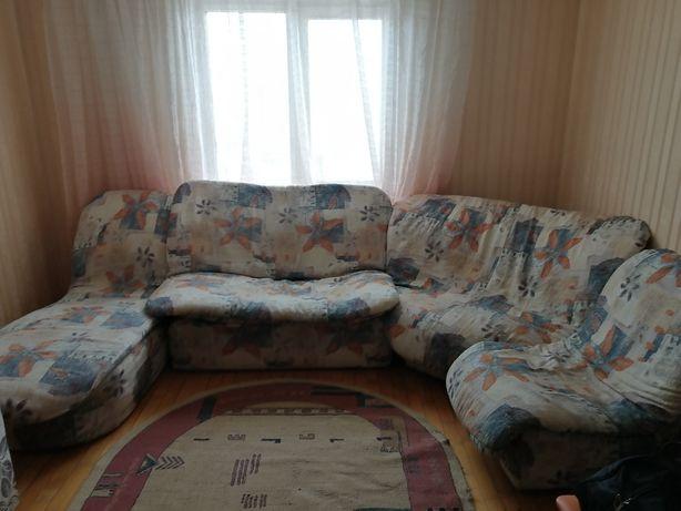 Продается диван угловой.