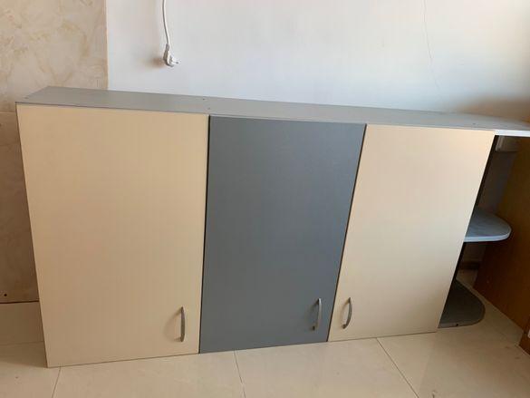 Продавам шкаф за стена