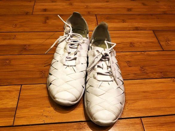Продавам оригинални маратонки на Найк Nike номер 36