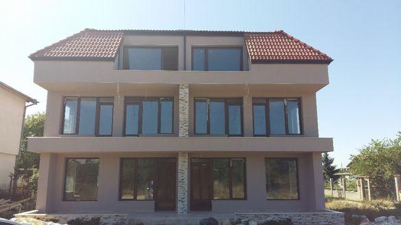 Дву-фамилна къща в гр.Варна