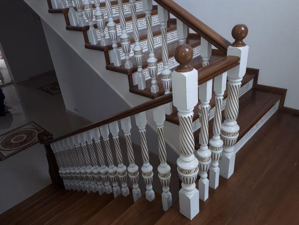 Лестницы на заказ из ценных пород древесины. Каркас из метала,бетона
