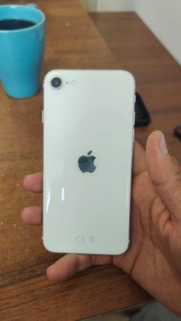 Продам телефон IPhone SE 2020