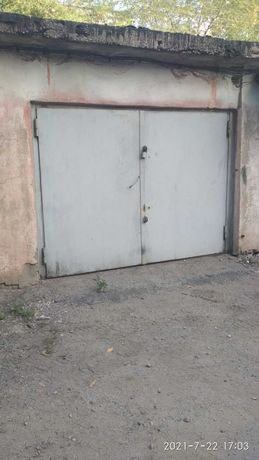 Продам гараж с подвалом. Розыбакиева-Утепова