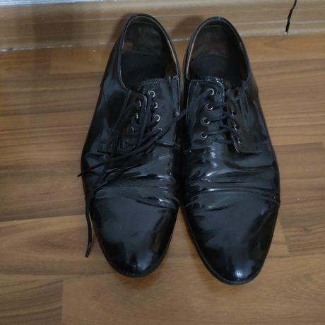 Бесплатно лакированный туфли