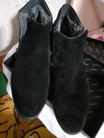Продам новую пару обуви