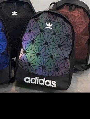 Най новата светеща раница Adidas