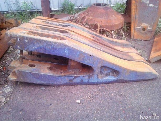 Зуб ковша экскаватора карьерного гусеничного ЭКГ-5-8-10