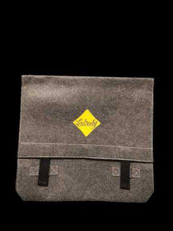 Чанта за лаптоп.