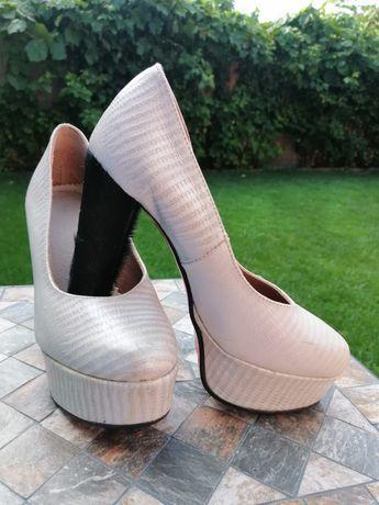 Pantofi piele damă albi model unicat nr 36