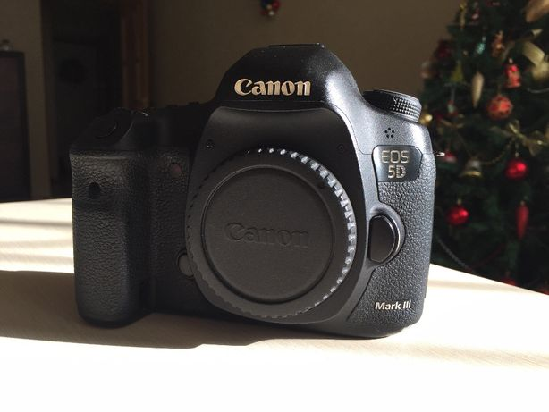 Фотоаппарат Canon 5D Mark III body