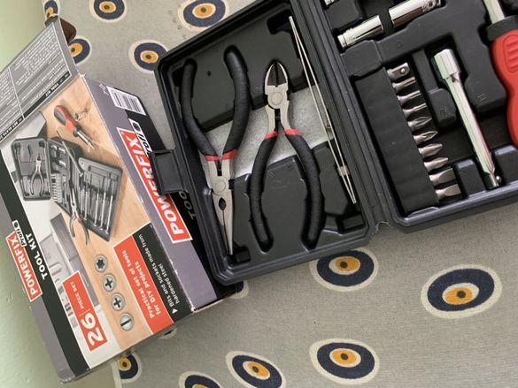 Несесер със иструменти