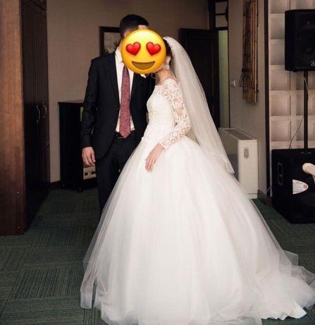 Продам свадебные платья от Гульназ Алкеновой. Размер 42-44-46.
