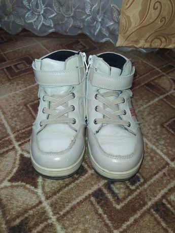 Ботинки кроссовки на мальчика