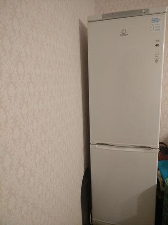 Холодильник Indedit ES20