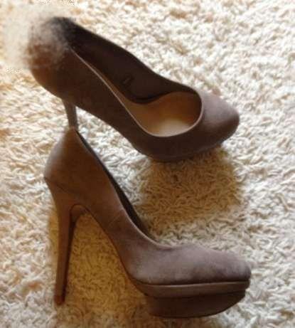Pantofi dama, Stradivarius, cu toc, piele intoarsa bej, marimea 38