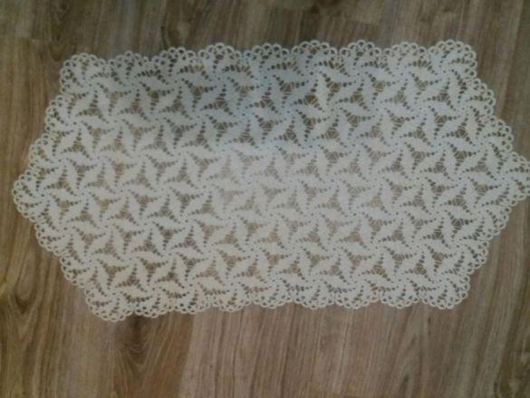 Плетиво на една кука за маса