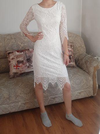 Вечернее платье белое