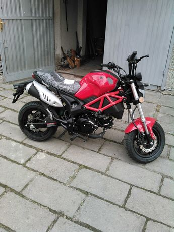 Мотоциклет scoot Pony