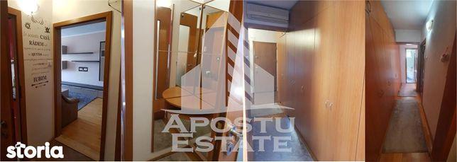 Apartament cu 3 camere, decomandat, Lipovei