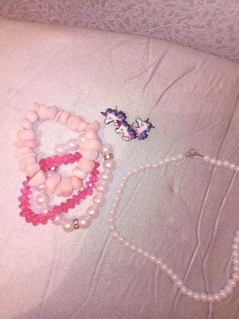 Продам ожерелья для девочки