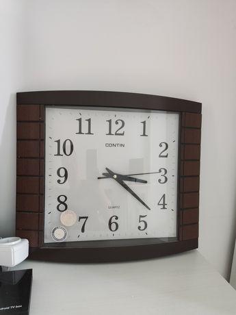 Часы настенные в отличном состоянии