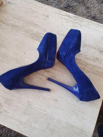 Pantofi toc inalt și platforma