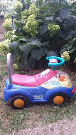 Детска кола за возене