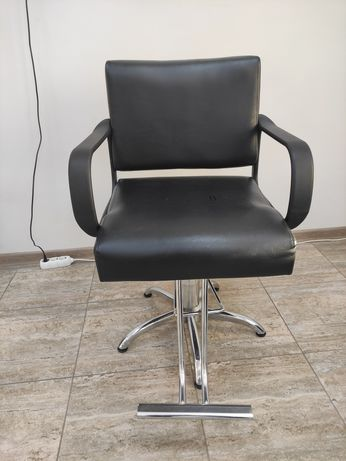Продается парикмахерская кресло