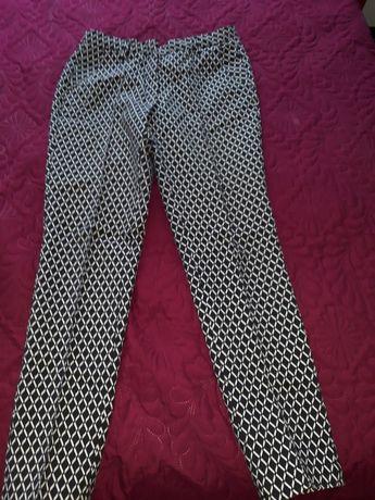 Дамски, памучен, леко еластичен панталон. Размер 40, Със ръбове отпред
