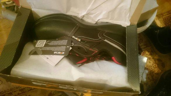 Safety shoes/Сейфти обувки с метално бомбе/подметка номер 43