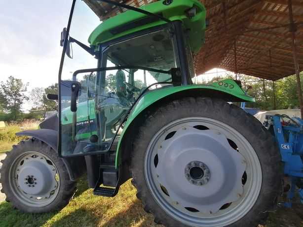 Tractor Deutz Fahr echipat cu plug și disc