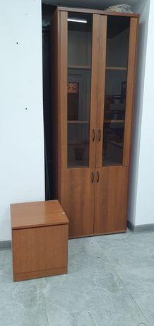 Офисная мебель шкафы,тумбы и стулья