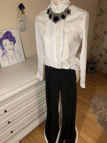 Pantaloni evazati si camasa