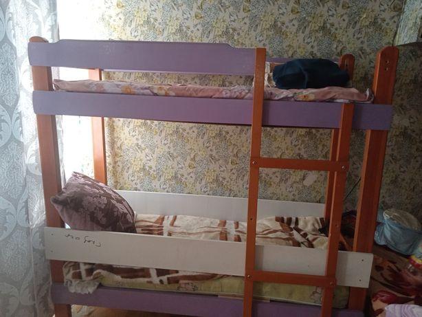 Продам двух ярусную кровать