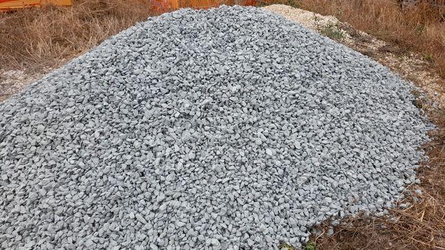Nisip - balastru - piatra