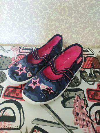 Продам польские балетки для девочки 31 размера