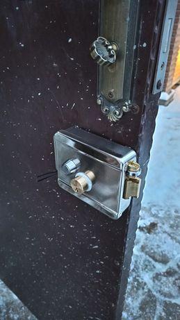Открыть дверь открыть замок замена сердцевины замена замка ремонт