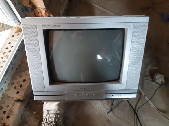 Телевизор -14 инча