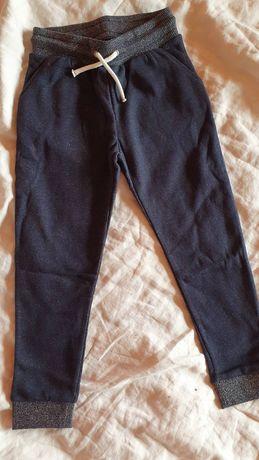 Спортен панталон за момиче