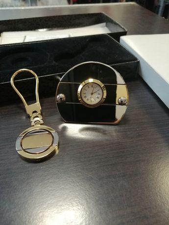 Часовник и ключодържател